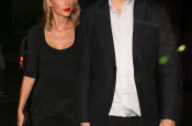 Taylor Swift Looking Fine in All Black